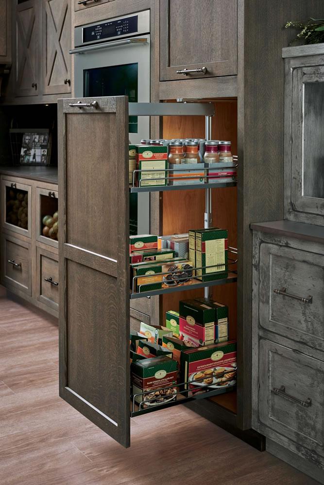 creative-kitchen-bath-studio-2020-pulloutpantry